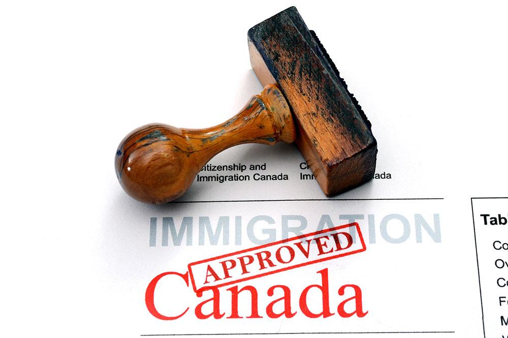 Frais de traitement des demandes d'immigration
