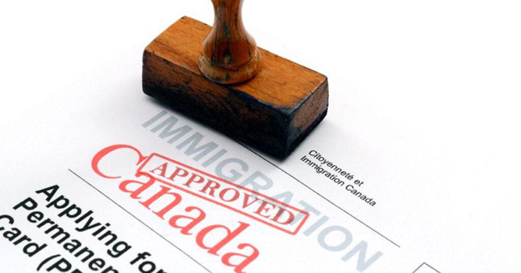 La résidence permanente canadienne via le programme régulier des travailleurs qualifiés du Québec : quelles sont les étapes pour y accéder?